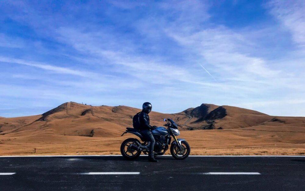 Elige la equipación de moto adecuada
