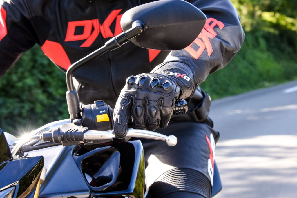 importancia guantes moto
