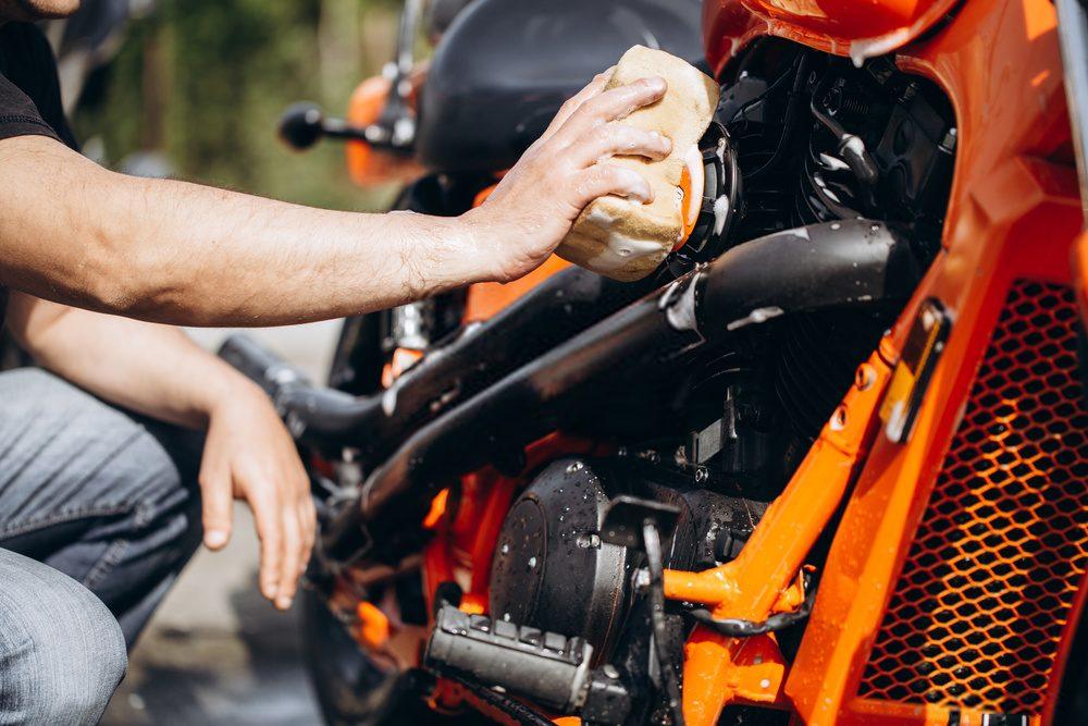 Lavar moto - mantenimiento