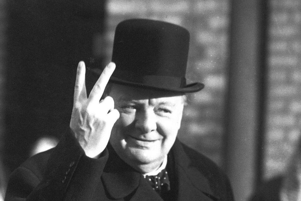 Wiston Churchill V victoria