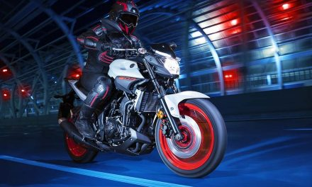 Cómo limitar una moto para el carné A2