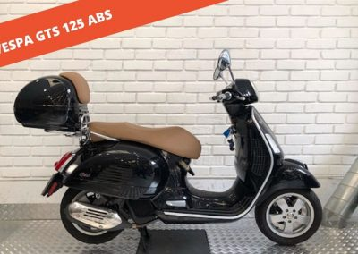 Vespa GTS 125 IE Super ABS ASR 2018 – 16.311 KM – 3.400 €