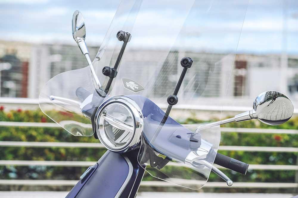 Puedes mejorar el confort de tu scooter con una pantalla de gran tamaño